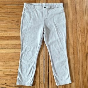 Simply Vera Vera Wang Cream Stretch Capri Pants M